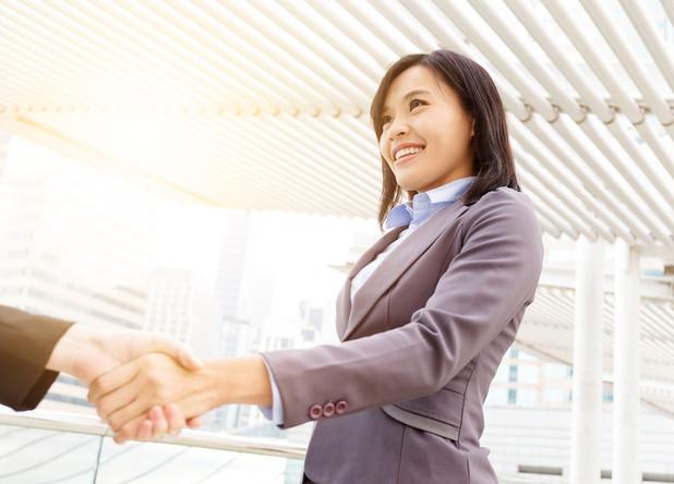 【海外出張】 印象に残る自己紹介・初商談のポイント6選